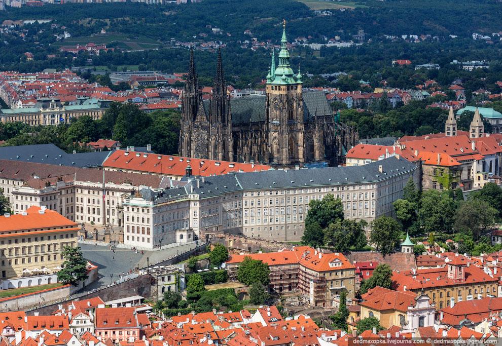Увидев собор святого Вита, больше не хотелось уезжать вечером ни в какой Франкфурт-на-Майне, хо