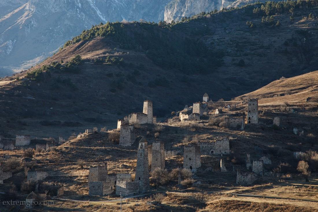 13. Выделяются три основных типа башен: жилые, полубоевые (в некоторых источниках — полужилые) и бое