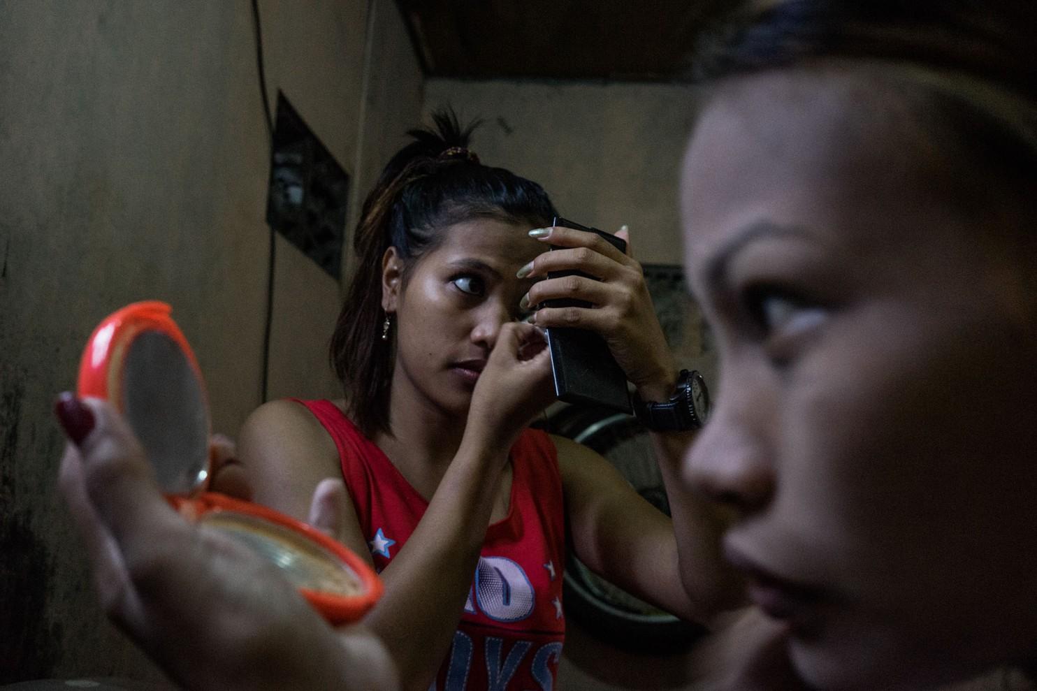 Тайфун бесчестия: как стихия ввергла целое поколение филиппинок в проституцию