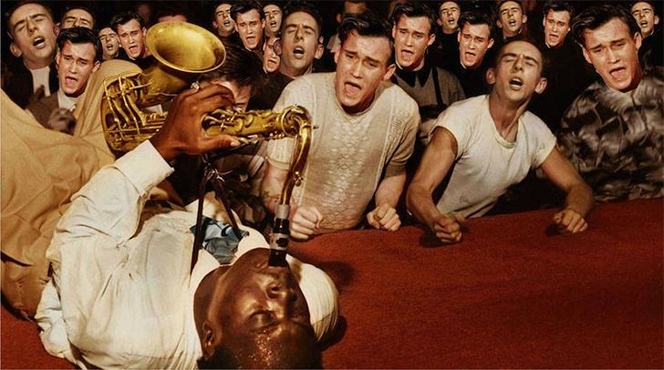 Блюзовый саксофонист Биг Джей Макнили и его поклонники, Лос-Анджелес, 1953 год.