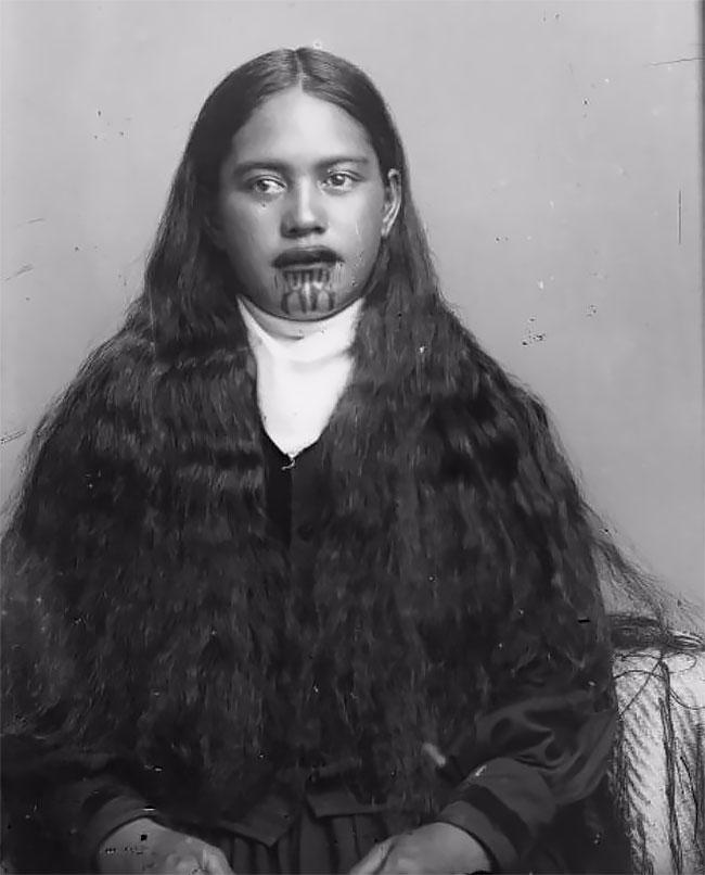 Татуировки на лице — священная традиция женщин племени маори