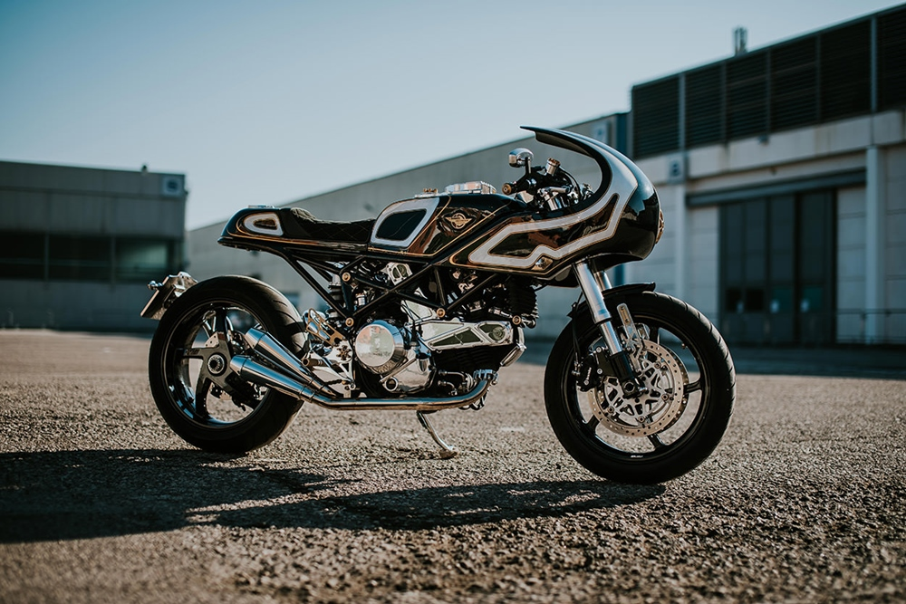 Custom Creations: кафе рейсер Ducati Monster S2R