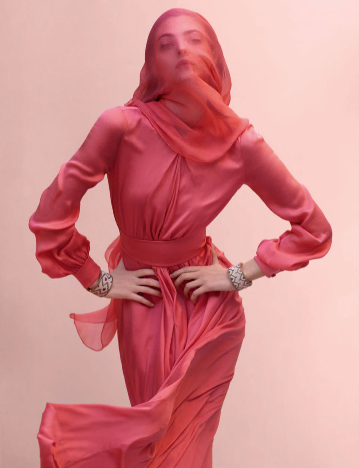 В Джайпуре с прицами - Виттория Черетти / Vittoria Ceretti by Mario Testino - Vogue Paris may 2017