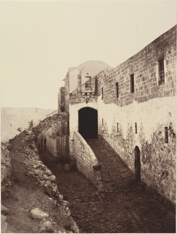 Вход в турецкую казарму