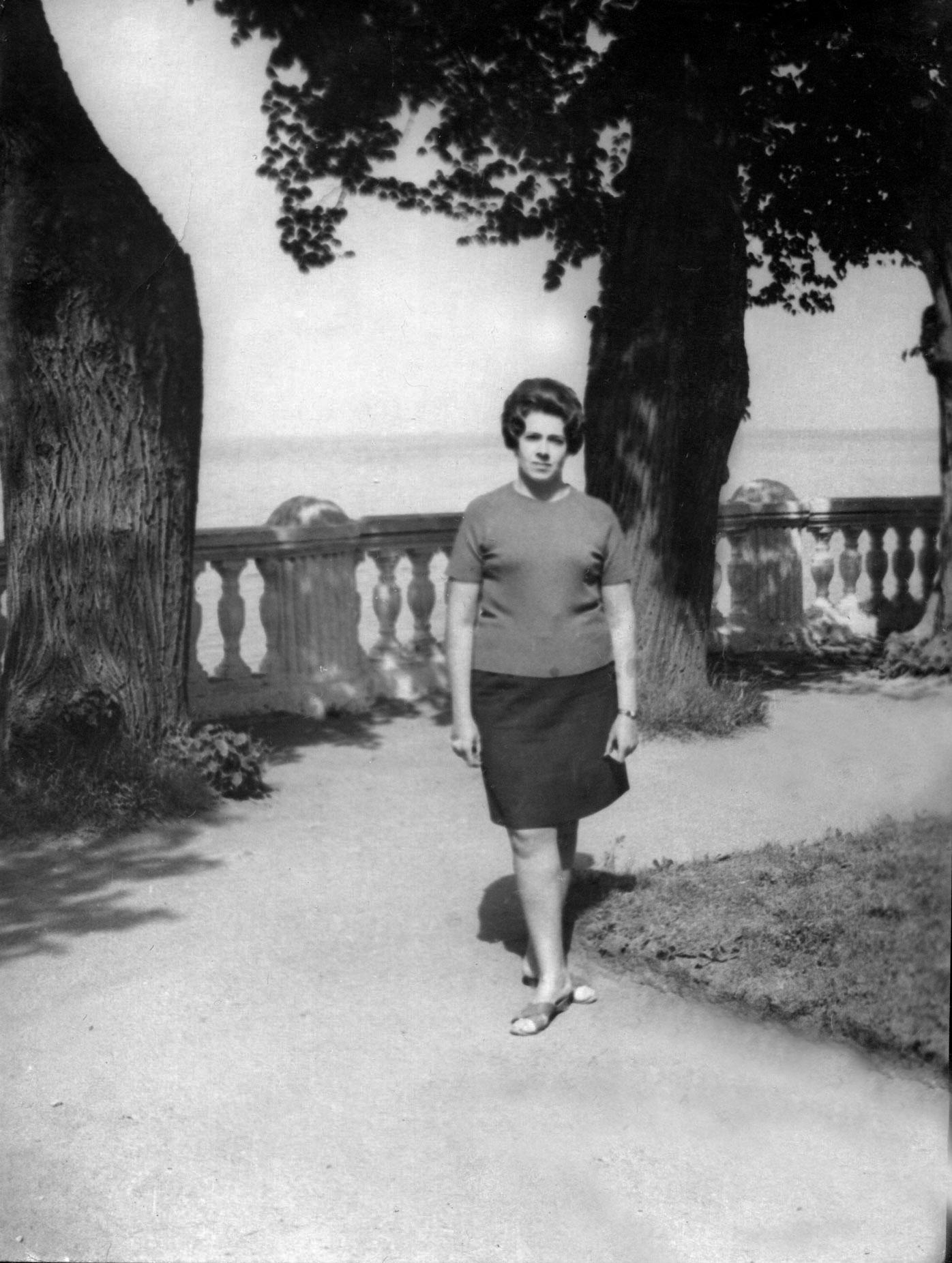 1961. На террасе дворца Монплезир