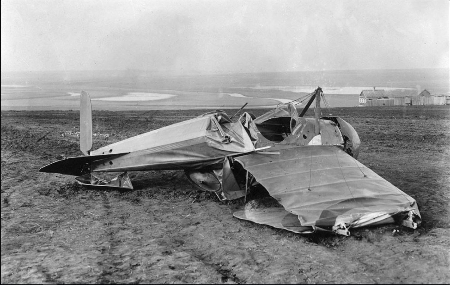 Самолет «Моран», на котором разбился летчик Г. М. Каменев. 2 мая 1919