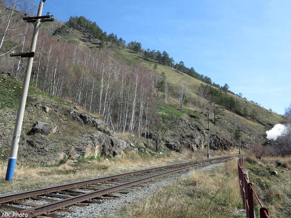 Ретро-поезд въезжает в 5-й тоннель