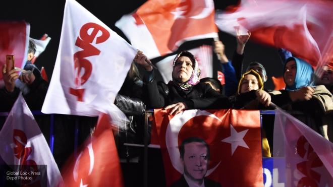 Иск оппозиции оботмене итогов референдума отклонил Верховный суд Турции