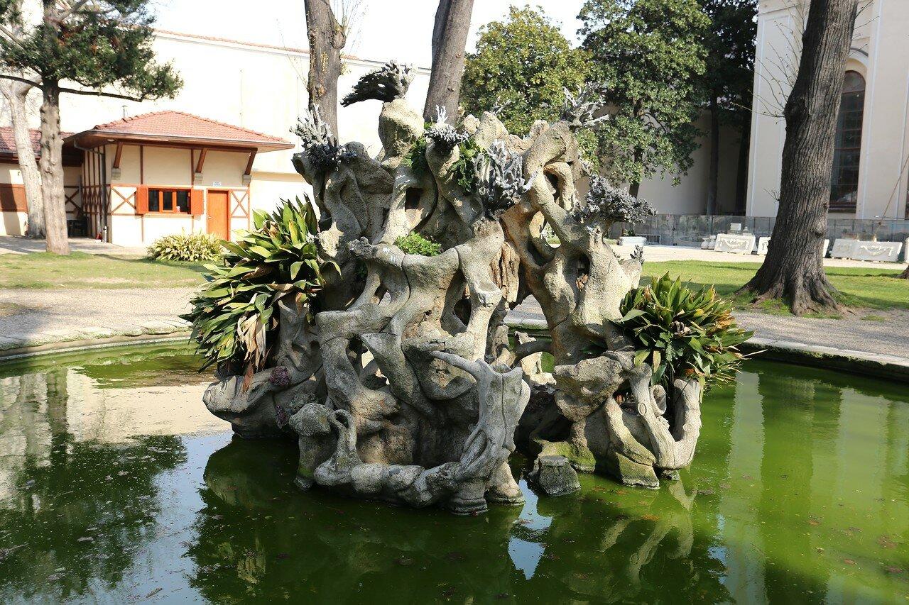 Istanbul, Dolmabahce Palace. Сад Кушлук (Kuşluk Bahçesi)