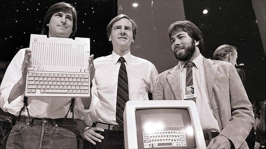 9. Меньше кнута, больше пряника Джобс был вполне строгим боссом, но для сотрудников Apple мощнейшим