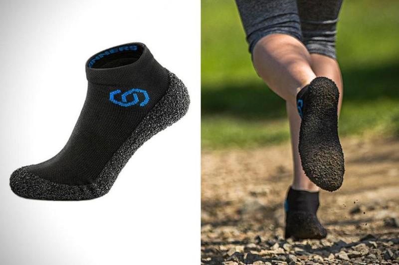 Суперпрочные носки Эти суперпрочные носки могут заменить обувь: в них можно ходить по гравию и даже