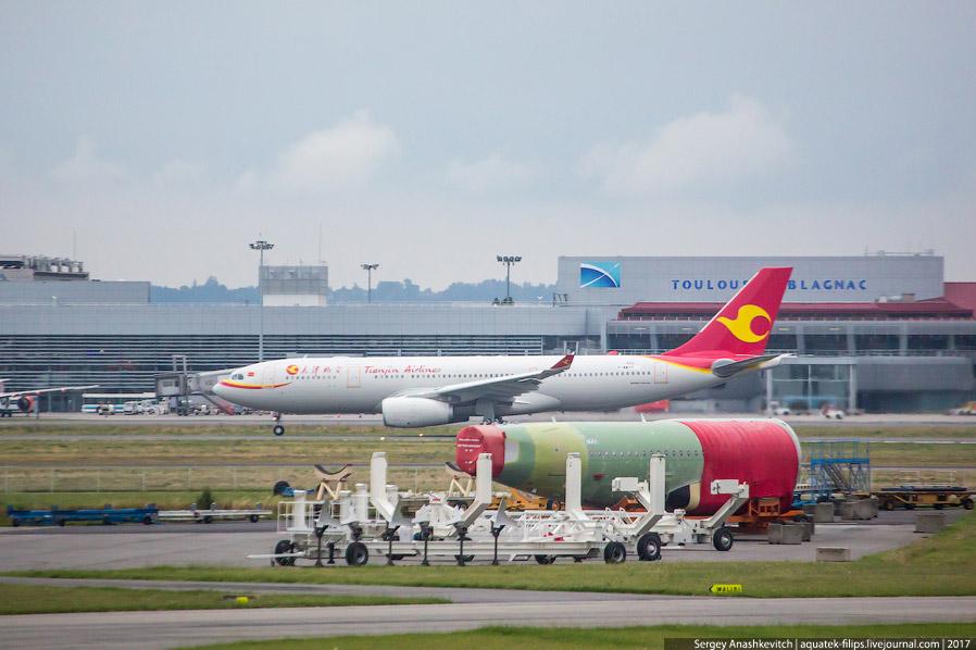 6. Линия финальной сборки A320 в Тулузе располагается не где-нибудь, а в тех самых ангарах, в к