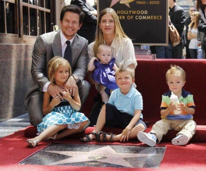 Отец четверых детей, голливудский актер Марк Уолберг также не разрешает своим чадам смотреть телевиз