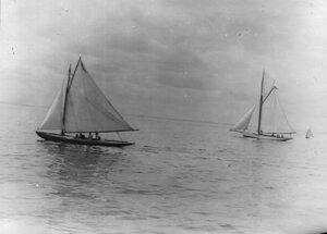 Яхты на Неве