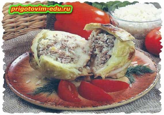 Капуста фаршированная мясом и рисом