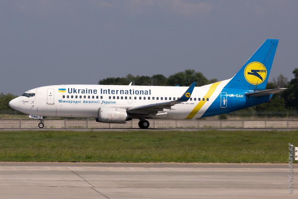 B-737_UR-GAH_Ukraine_International_Airlines.JPG