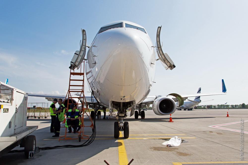 B-737_UR-PSL_Ukraine_International_Airlines_3.JPG