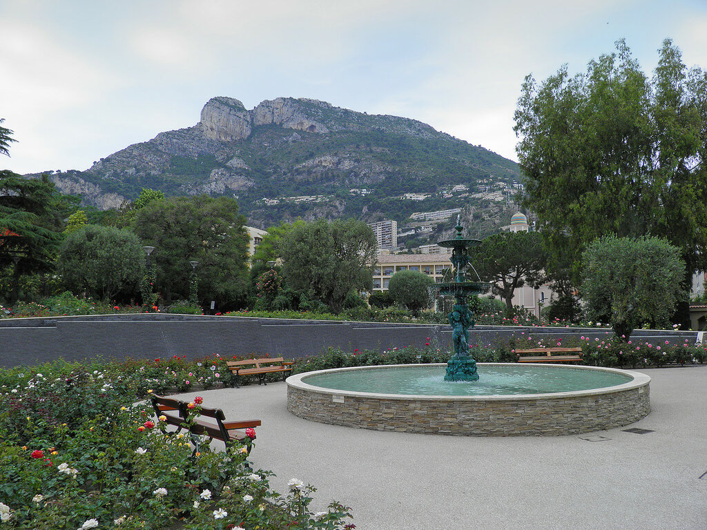Монако. Розарий принцессы Грейс