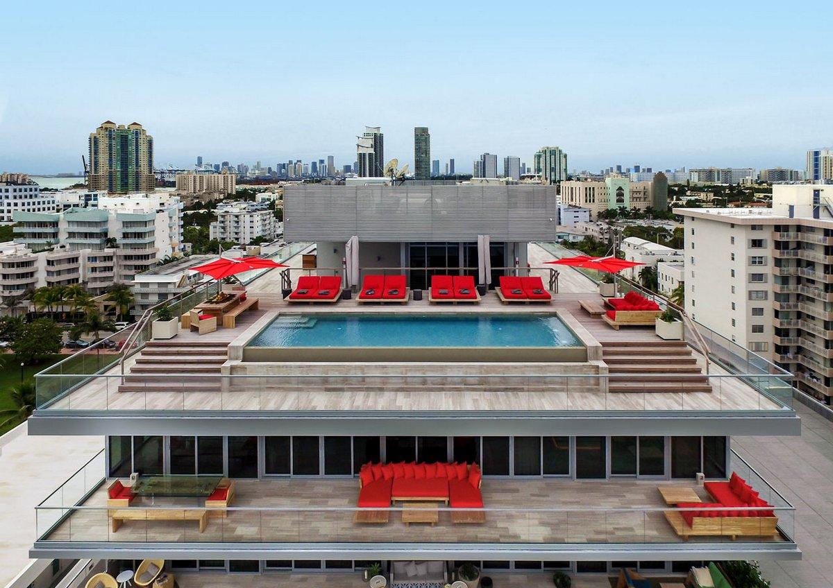 Пентхаус с бассейном в Майами