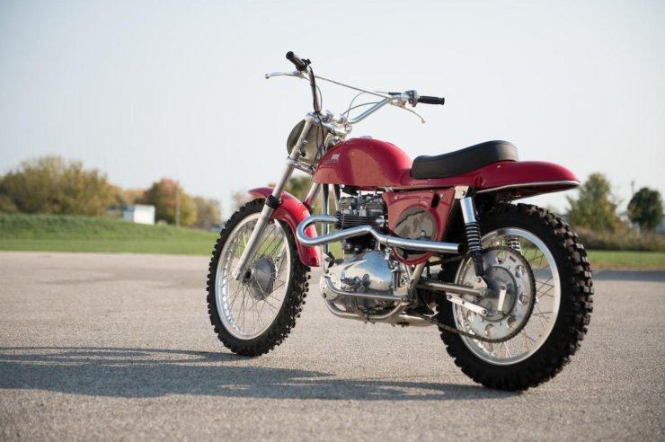 Старинный кроссбайк Rickman Triumph Metisse 1970