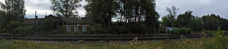 Панорама бывшего вокзала и перрона