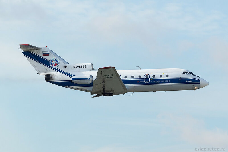 Яковлев Як-40 (RA-88231) Вологодское Авиапредприятие 010_D801053