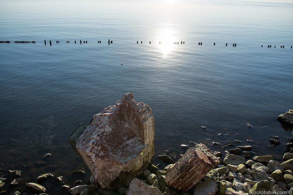 Заброшенный мир посреди моря