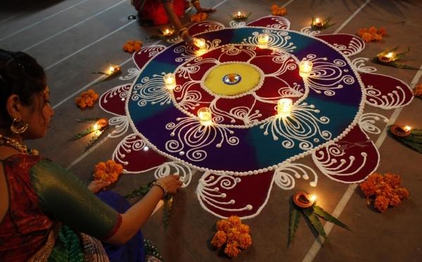 1413963456_beautiful-rangoli-designs-diwali.jpg