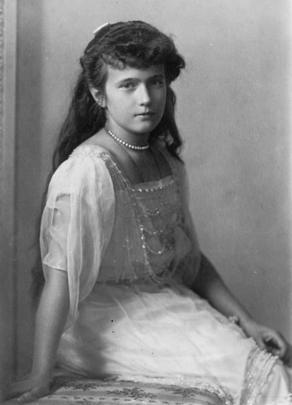 Великая княжна Анастасия, дочь последнего императора Николая II и Александры Федоровны, навсегда ост