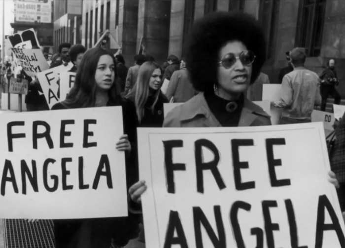 После своего освобождения Анджела стала членом ЦК компартии США, от которой дважды баллотировалась н