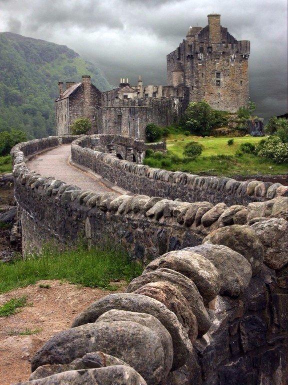 Красота заброшенных замков (6 фото)