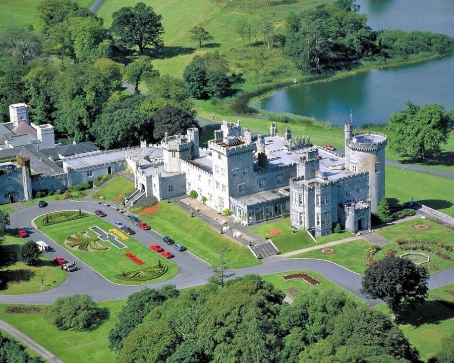 Замок — отель Дромоленд (27 фото)