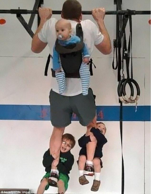А что, отличный способ приучать детей к спорту.