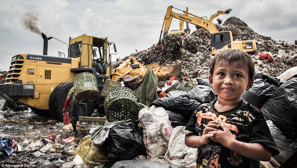 Сеттлер говорит, что помочь беднякам может каждый: «Загрязнение — это глобальная проблема, она актуа