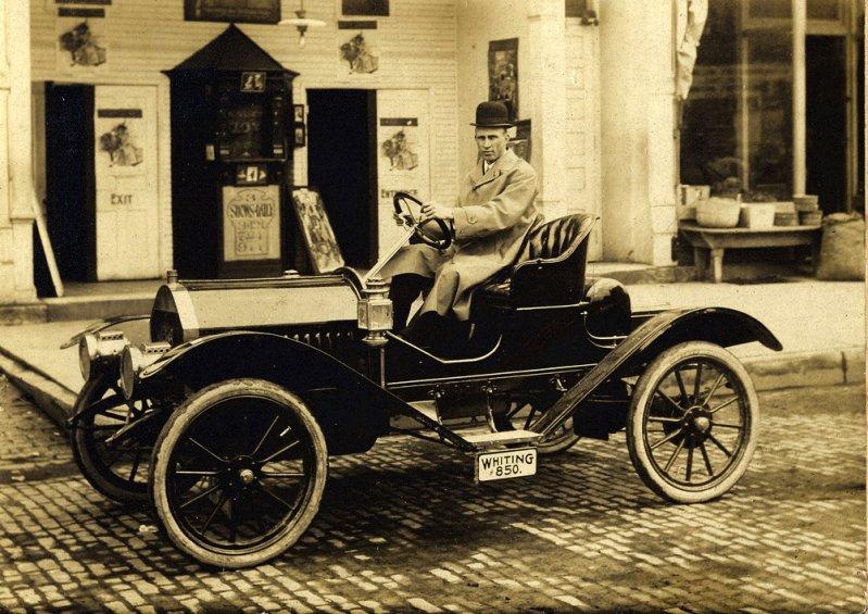 1910 Peerless Touring Car