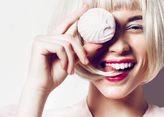 © DEPOSITPHOTOS  Напепельных блондинках выигрышно смотрятся персиковые, розовые насыщенные от