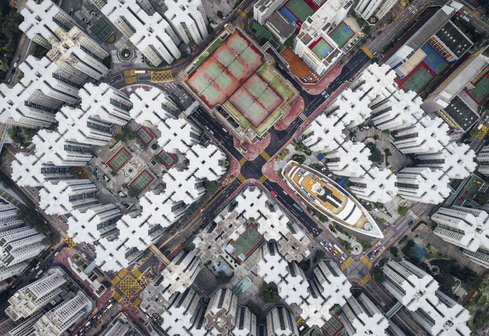 11. Первое место в категории «Города». Современный интерьер городской библиотеки в Штутгарте. (Фото