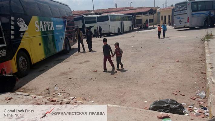 Русский центр попримирению вСирии сообщил жителям 3,6 тонны продуктов