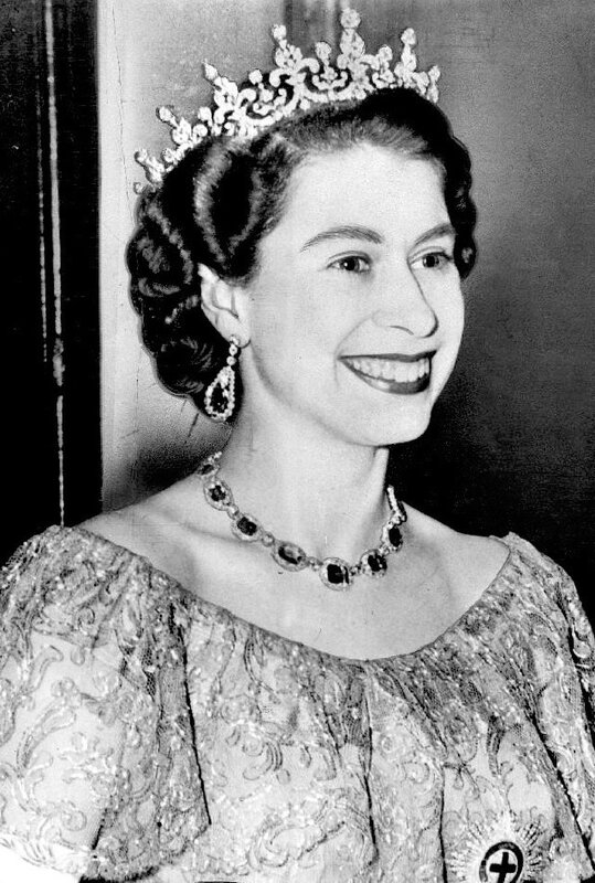 Queen Elizabeth II,1953-Dress