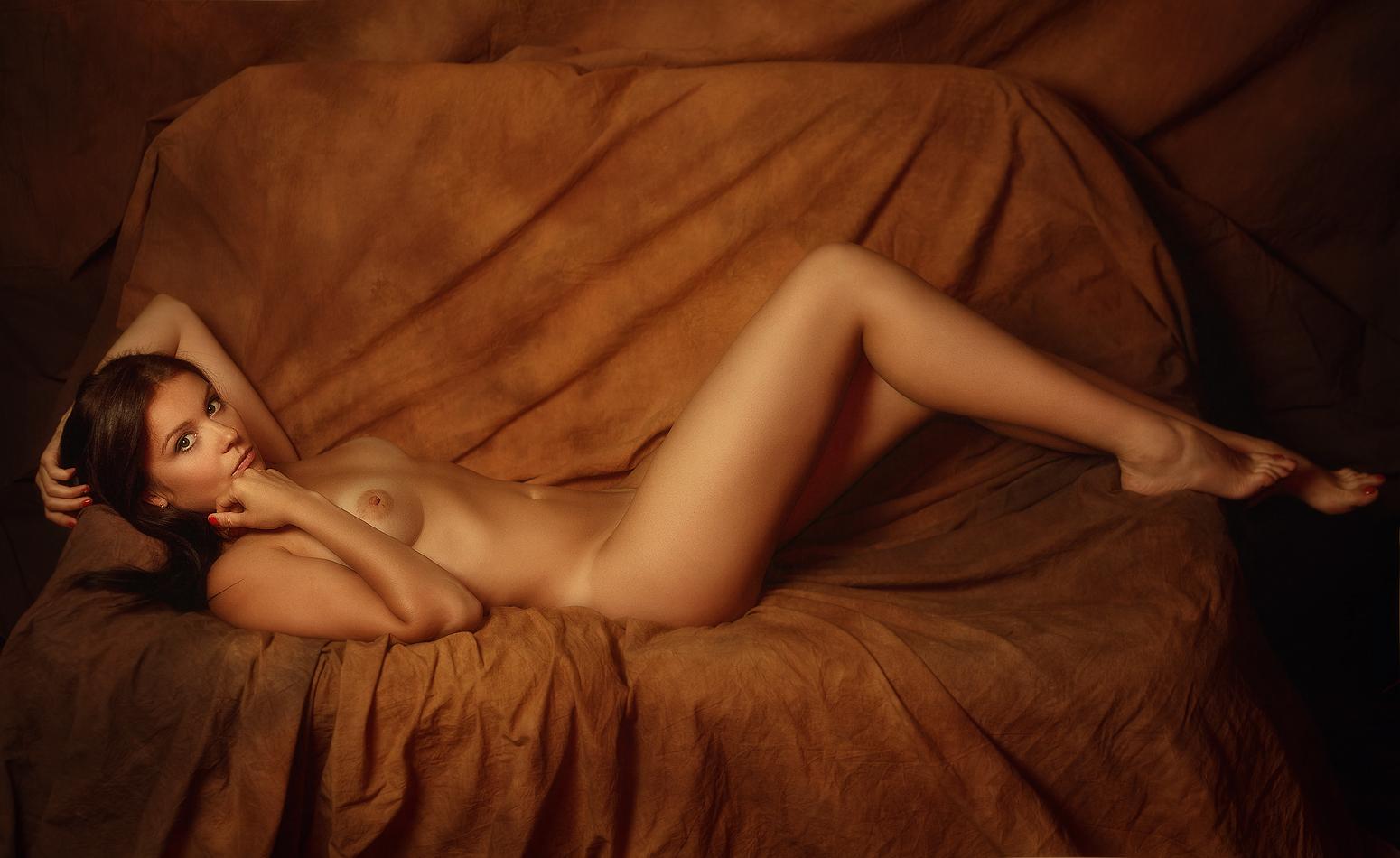 Фото эротика профессиональное, Ню фото красивых девушек и женщин. Смотреть бесплатно 18 фотография