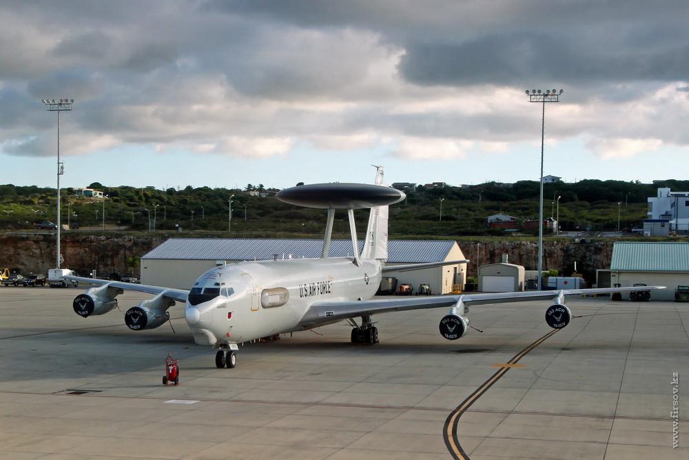Boeing_E-3B_Sentry_78-0578_USAF_2FKZ_CUR_resize.jpg