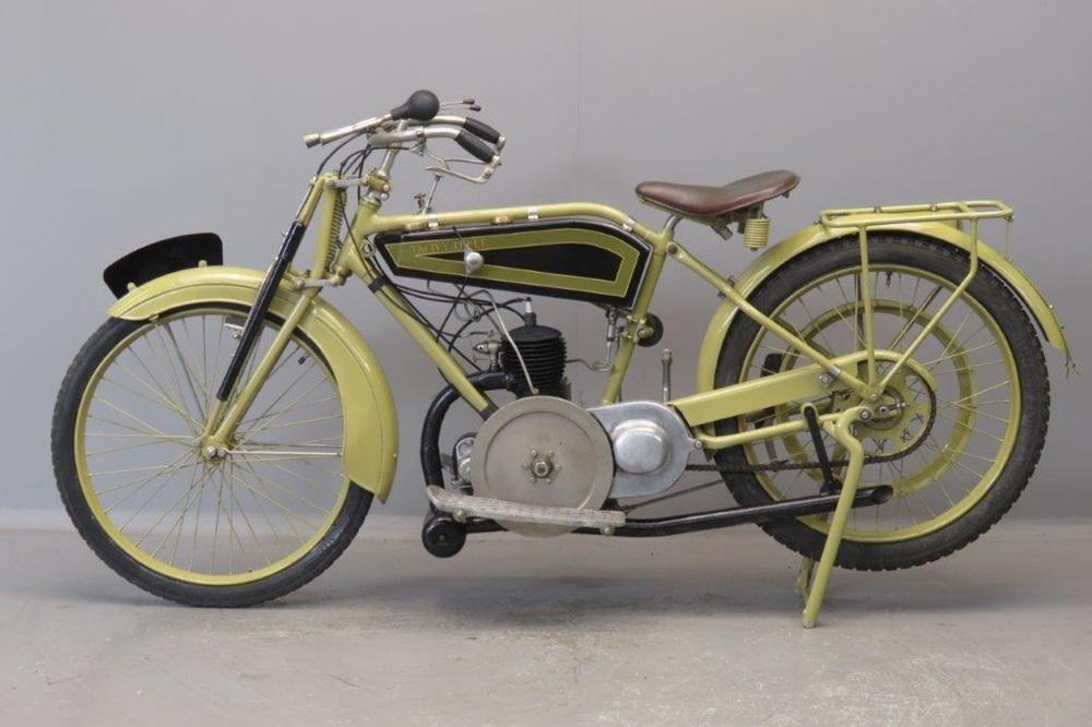 Ретро мотоцикл Ivy Model c 1921