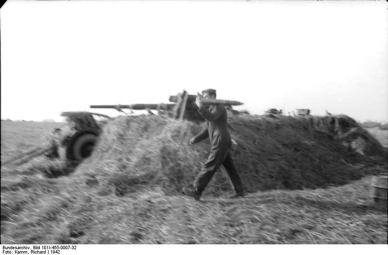 Russland, Luftwaffensoldat an Flak-Geschьtz