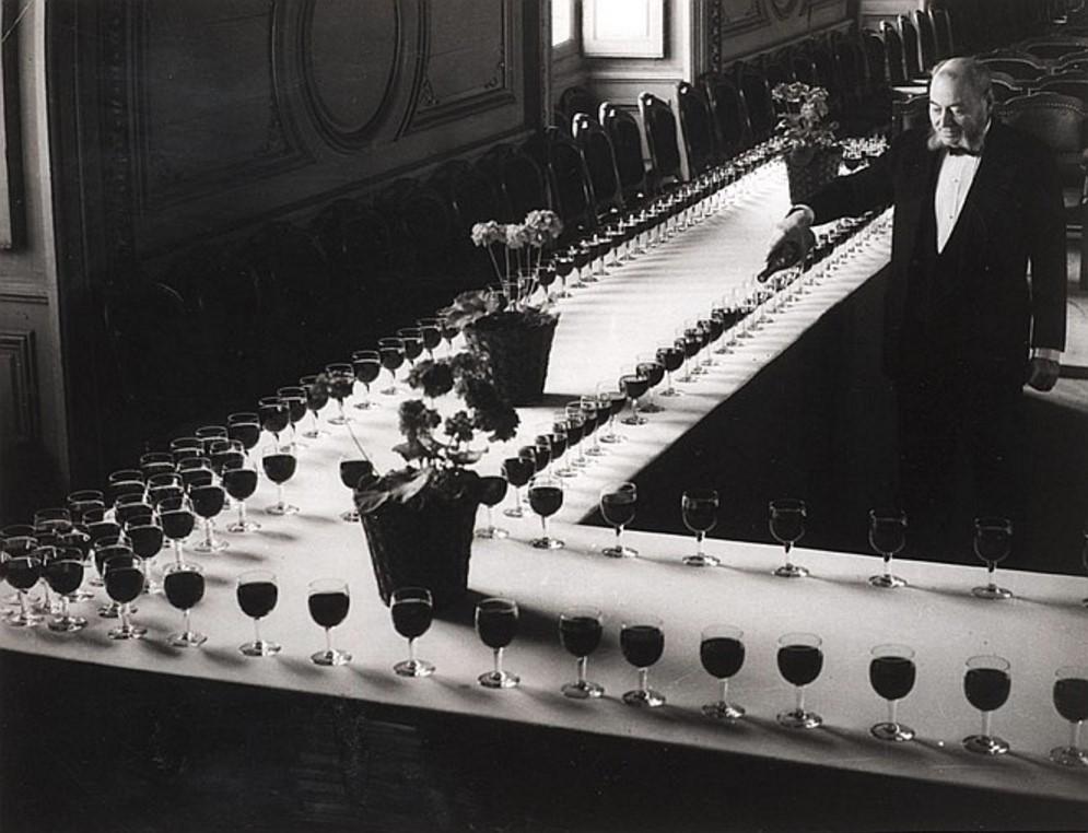 1936. Дегустация вина. Дворец герцогов Бургундских, Дижон