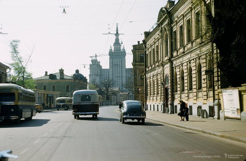 Большая Никитская улица, Martin Manhoff.jpg