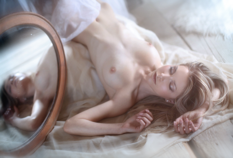 Andie Chouu by Sylvio Testa