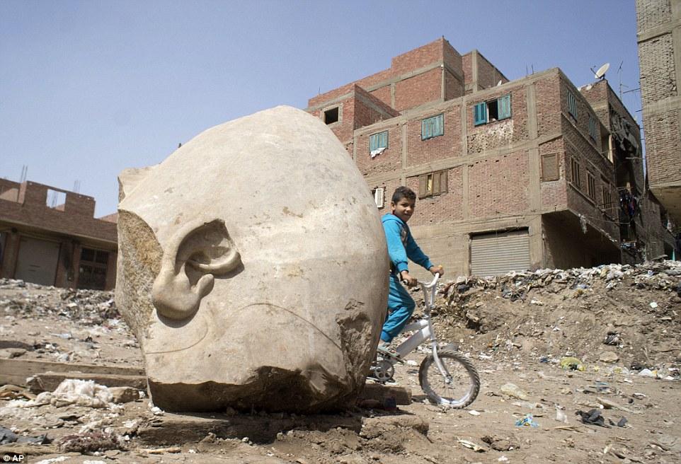 В Каире нашли статую фараона Рамзеса II возрастом 3000 лет