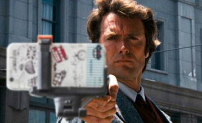 Селфи-палки вместо оружия в известных фильмах