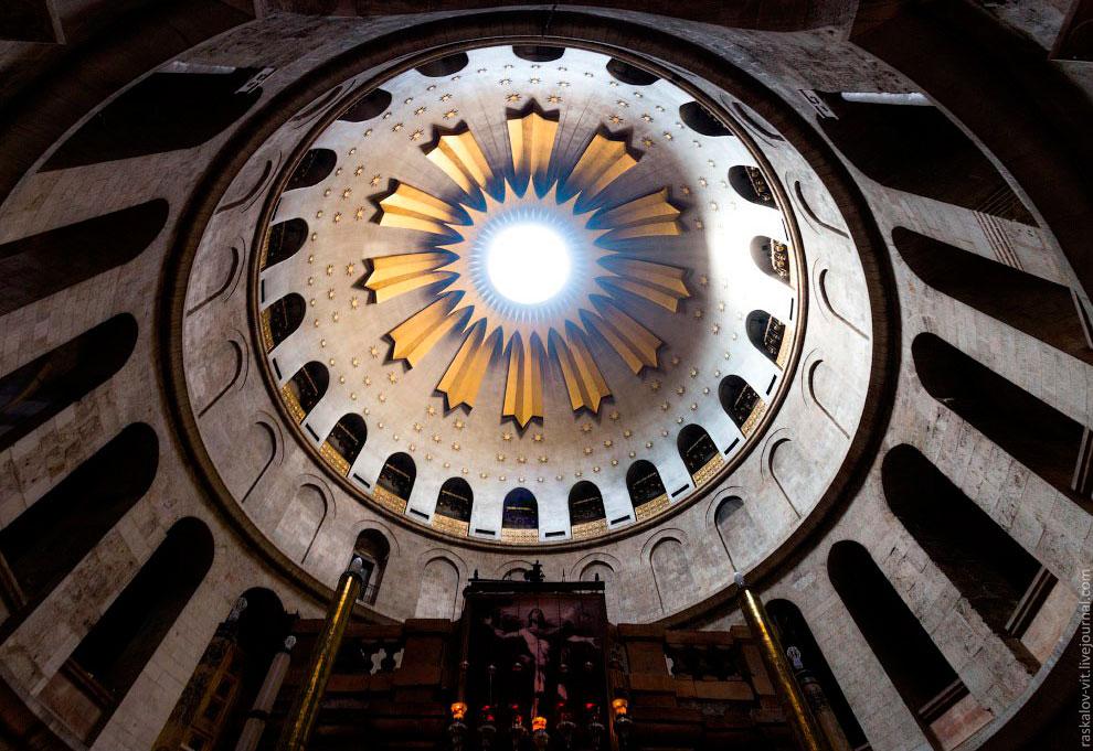 Под Старым городом подразумевается историческая часть Иерусалима, которая окружена крепостной с