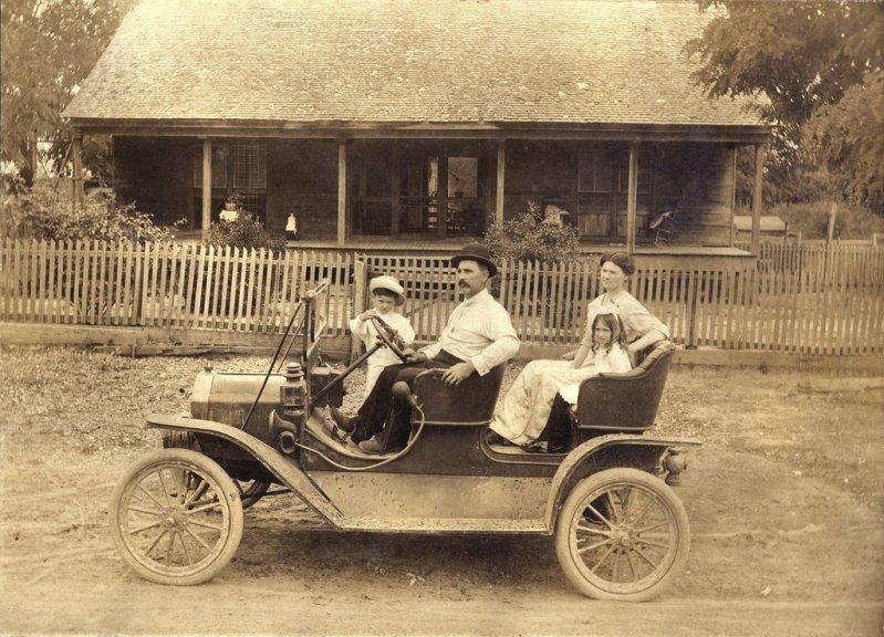 1910 EMF 30 Touring Car